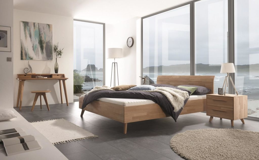 Hasena -Traumhaftes Schlafzimmer- helles Holz Bett mit Nachttischschrank