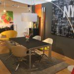 Möbel Weimer Hausausstellung -Esstische und vier Designer-Stühle