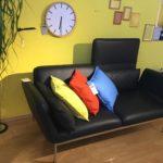 Möbel Weimer Hausausstellung - Zweisitzer aus schwarzem Leder