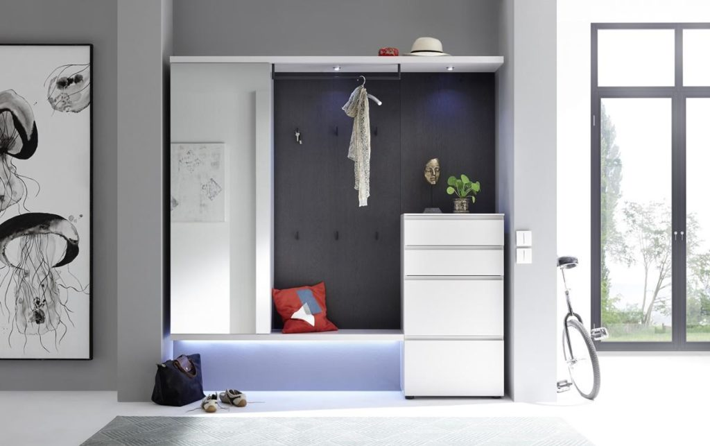Sudbrock- Garderobe weiss - dunkle Rückwand