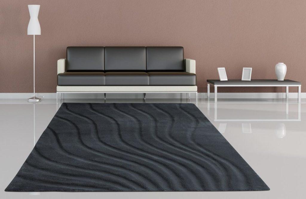 Teppich schwarz mit Wellenstruktur