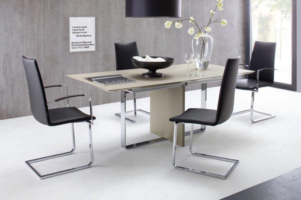 Moderner Tisch - Vielseitig einsetzbar