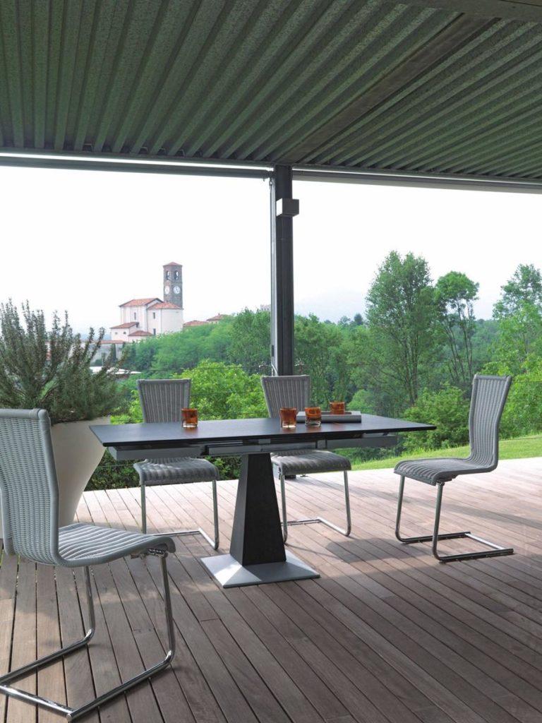 Tisch und Stühle für Wintergarten